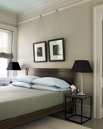Picture rail traditional bedroom