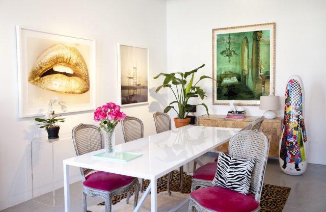 art startup showroom