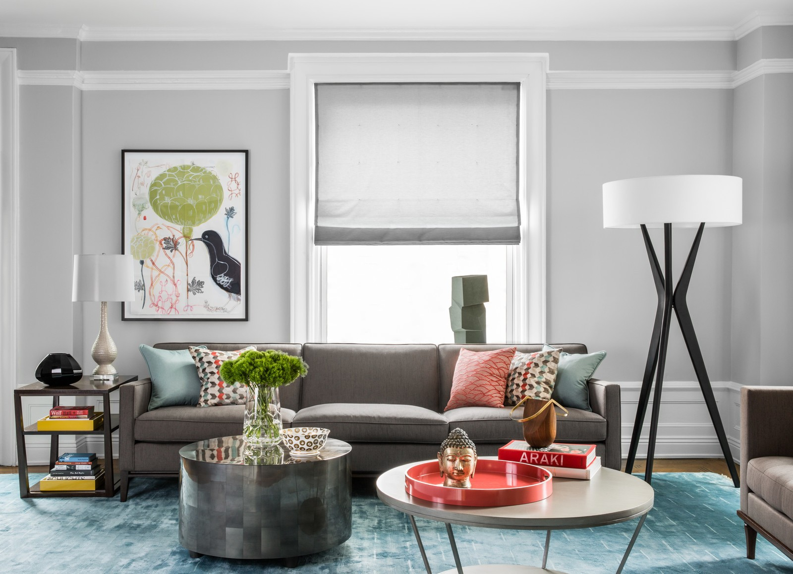9 Ways to Style a Grey Sofa in Your Home | Décor Aid