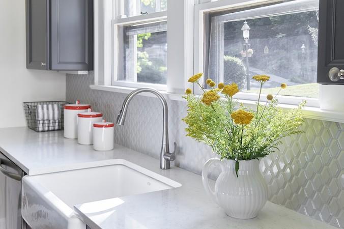 Awesome Home Decor Trends White Tile Backsplash