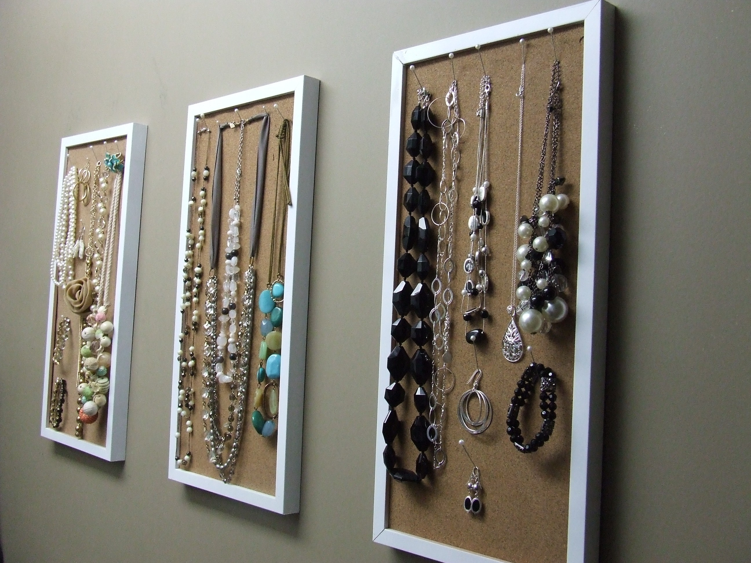 small closet corkboard