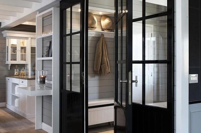 dark trim and door interior design trend