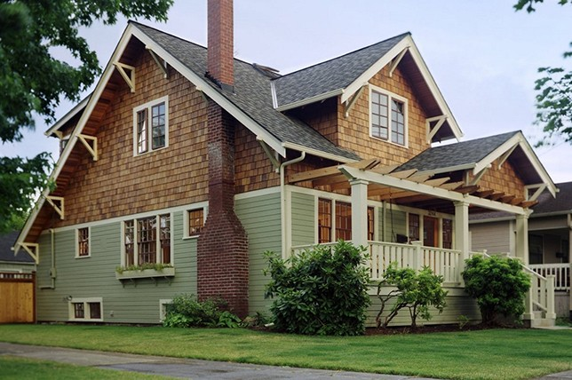 traditional craftsman house