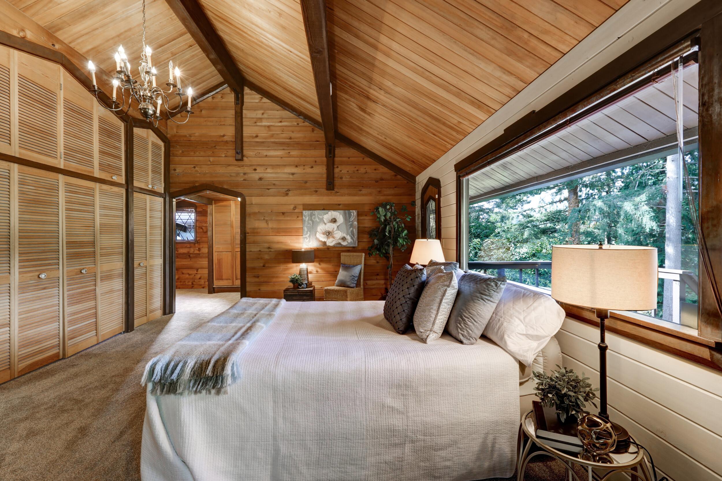 bedroom vaulted ceiling wooden panels