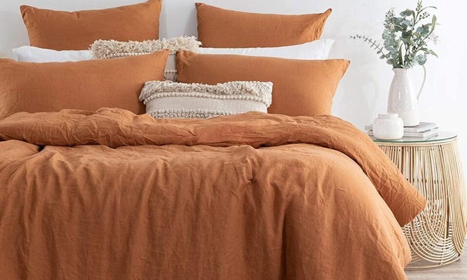 orange bedding idea