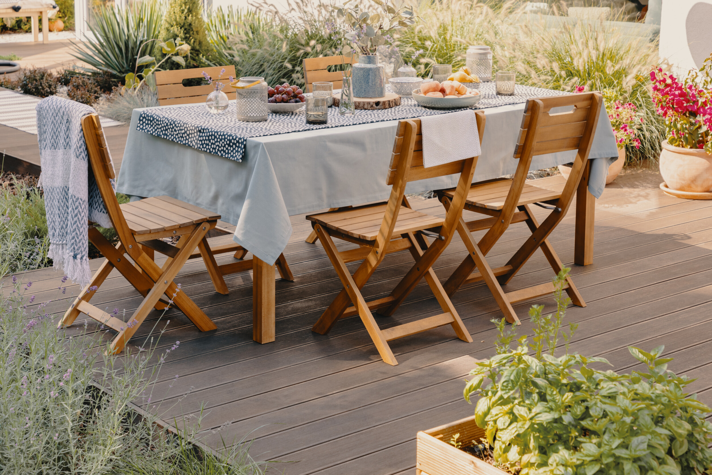 outdoor deck dining area