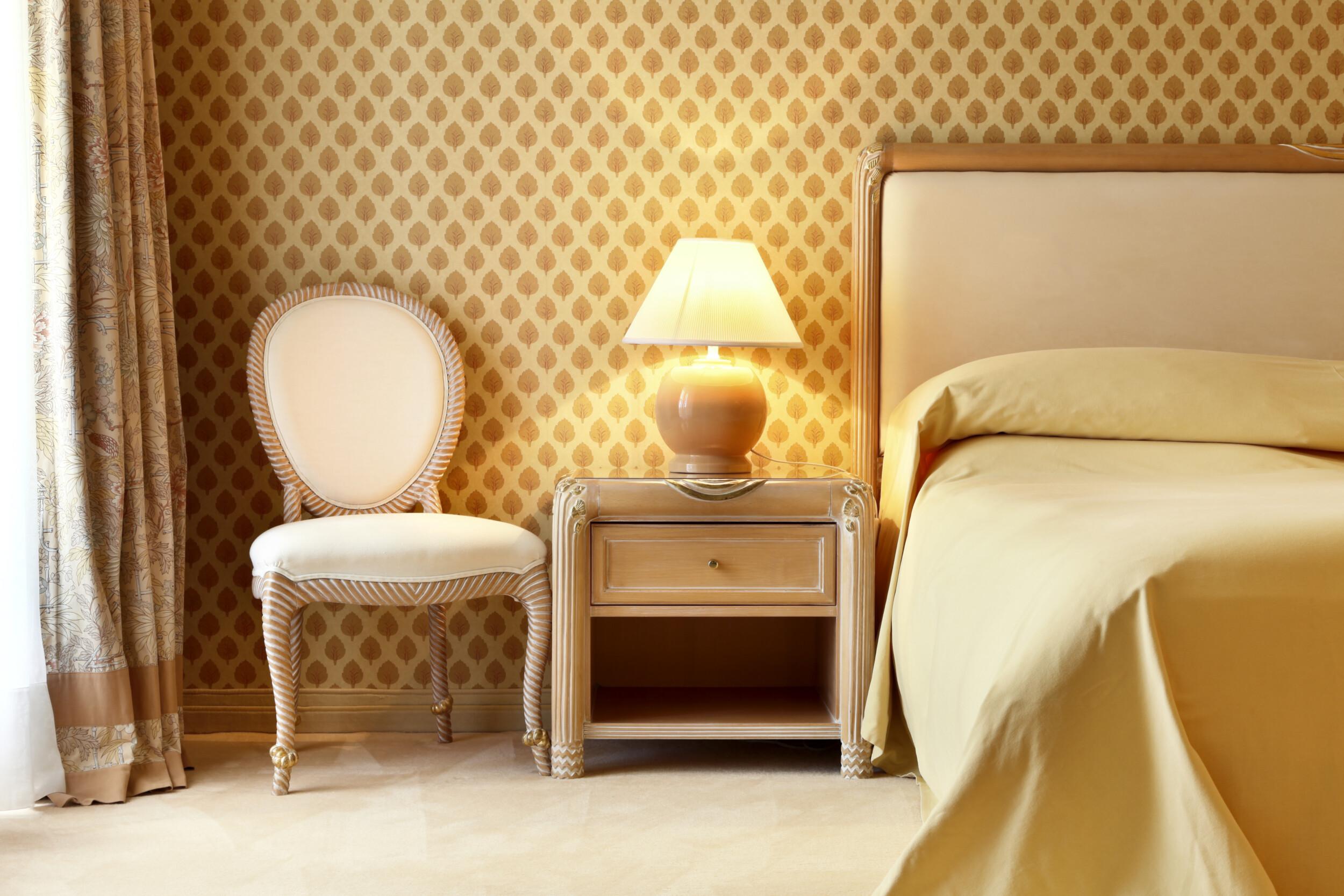 mettalic bedroom wallpaper