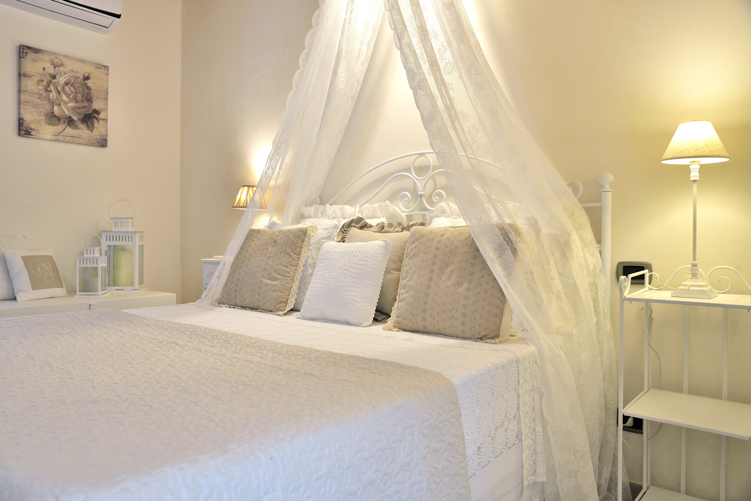 shabby chic simple bedroom