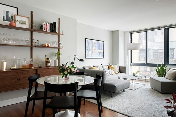 Inspiring Warm Mid-Century Modern Apartment Interior Design